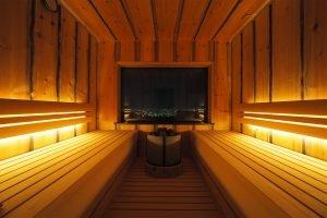 Uniikki sauna, josta näkymä Osakanlahdelle.